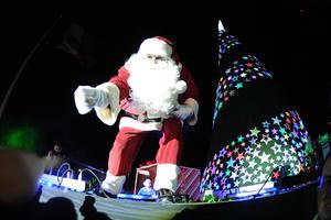 Santa Claus se hizo presente en el evento.