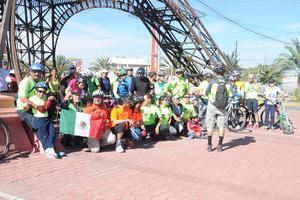 Laguneros se unieron en una rodada ciclista en protesta contra el cambio climático.