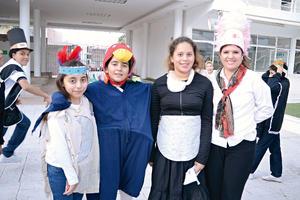 29112015 Rosa, Sofía, Renata y Miss Alice.