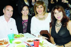 30112015 Álvaro Hernández, Luly Marrufo, Cony Córdova y Rosalva González.