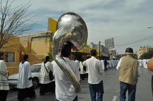 La banda Los Reyes de Albia alegró el recorrido con el son guadalupano.