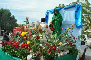 Se contó con la representación de la imagen de la Guadalupana y Juan Diego.