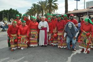 Sacerdotes y seminaristas de la Diócesis de Torreón peregrinaron por las calles de Torreón.