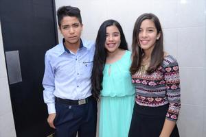 01122015 Michelle, Juanis y Valeria.
