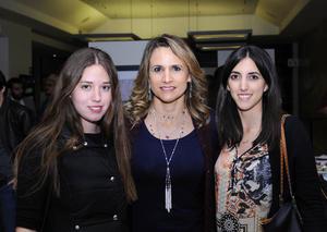 03122015 Larisa, Claudia y Ale.