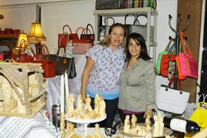 04122015 Angie González y Maha de Martínez.