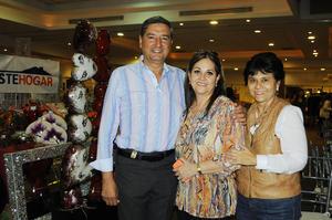 04122015 Andrés, Sandra y Mercedes.