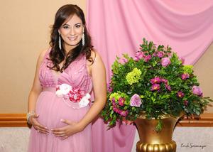 05122015 La hermosa celebración fue organizada con mucho cariño y dedicación por su mamá, la Sra. Leticia Reyes de Valdés.