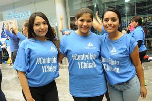 05122015 PARTICIPAN EN ZUMBATóN.  Lupita, Sofía y Anahí.