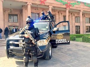 El titular de la Secretaría de Gobierno, Víctor Zamora, presentó a elementos de la nueva Fuerza Coahuila.