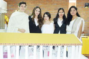 06122015 Enrique Basurto, Ruth Favela, Mariana Delgado, Paola Muñoz y Andrea Cruz.