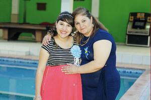 06122015 BABY SHOWER.  Claudia Liliana Escalante con su mamá, Claudia Elena Rojas, organizadora de su fiesta de canastilla.