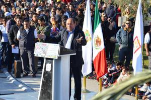 El gobernador, Rubén Moreira, en su intervención, ponderó el valor social de esta obra.