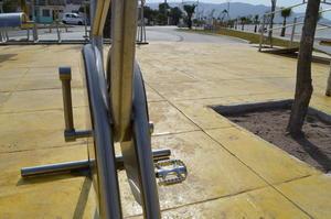 Los primeros visitantes del lugar señalaron que aún no se pueden utilizar algunas máquinas de los gimnasios por piezas faltantes.