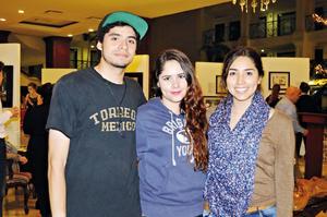 07122015 Andrés García, Jessica López y Angélica Ruvalcaba.