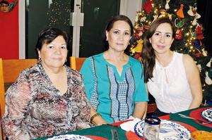 07122015 Silvia Villalobos, Trini Martínez y Oralia Juárez.