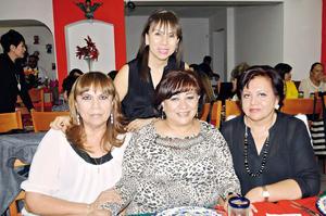 07122015 Katy, Paty, Rebeca y Nena.