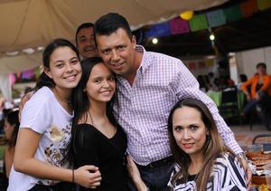 08122015 Jocelyn, Mayka, Marco y Ana.