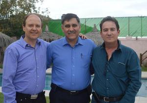08122015 Luis, Dante y Jorge.