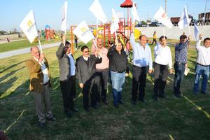 El gobernador Rubén Moreira y los alcaldes de Torreón Miguel Riquelme y de Gómez Palacio Miguel Campillo Carrete, se reunieron en este evento, en el que se destacó el avance en la conectividad entre ambas entidades y particularmente en la Zona Metropolitana de La Laguna.