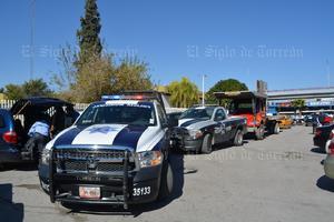 Los hechos se registraron cuando un abogado acompañado de los agentes estatales, arribaron a la entrada principal del Tec Laguna, ubicado sobre el bulevar Revolución.