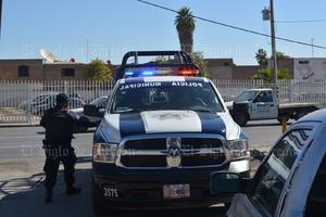 Agentes de la Policía Estatal irrumpieron en las instalaciones del Instituto Tecnológico de La Laguna con una orden de embargo.