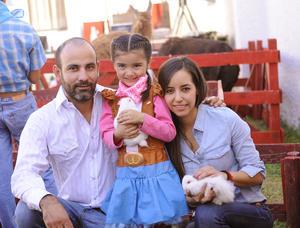 Con sus papás, Luis Armendáriz y Ana Paty del Valle