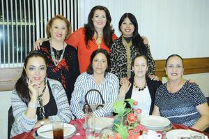 Hilda, Claudia, Alicia, Marisa, Tita, Ángeles y Jose