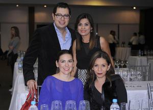 Claudia Lozano, Aris Sánchez, Carlos de la Cruz y Nora Cruz