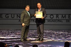 """Moreira destacó la confianza de los ciudadanos en el ayuntamiento y al igual que Riquelme, aprovechó para contrastar la """"situación de emergencia"""" que se vivía en Torreón hace dos años y como se encuentra la ciudad ahora."""