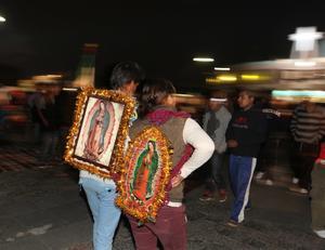 Los creyentes mostraron imágenes de la Guadalupana durante el recorrido.