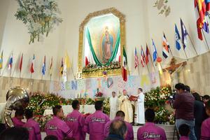 Al finalizar la ceremonia se dio paso a la tradicionales mañanitas a la Virgen de Guadalupe.