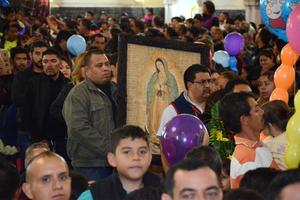 Aproximadamente 90 mil personas peregrinaron y rindieron tributo durante 27 días a la Virgen de Guadalupe.