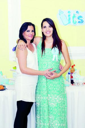 11122015 BABY SHOWER.  Mariana Valadez en compañía de Cristina Gutiérrez.