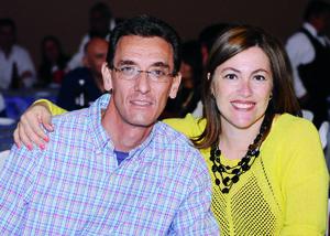 10122015 EN PAREJA.  Luis Alberto y Cristina.