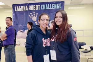 13122015 Brenda y Paola.