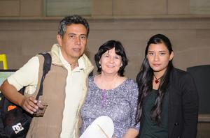 13122015 Guayo Valenzuela, Gaby Nava y Rocío Matías.