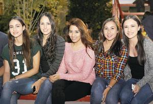 13122015 Dany, Rocío, Andrea, Michel y Jenny.