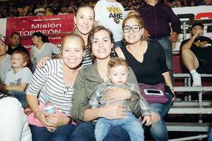 13122015 Laura, Alejandra, Elisa, Sayda y Erick.