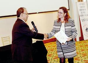 13122015 Dr. Juan Pablo Espinoza Rodríguez y Dra. Martha Coppelia Velez, conferencista de Guadalajara, Jal.