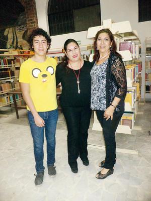 13122015 Raquelito, Silvia Amador y Blanca Domínguez.