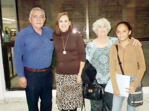 13122015 Ángel Herrera, Imelda Rodríguez y Blanca Domínguez.