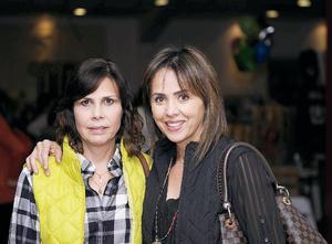 13122015 PARA LA FOTO.  Alejandra Díaz y Lourdes López.