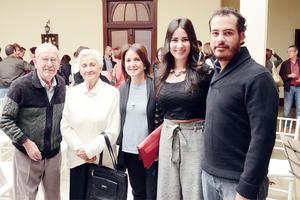 13122015 Rodolfo, Cristina, Tere, Mariana y Raúl.