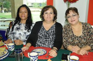 12122015 Carmen, Lupita y María.