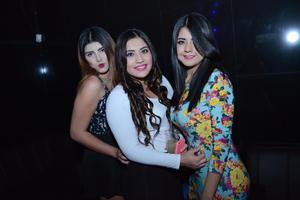 12122015 EN EL ANTRO.  Daniela, Cris y Luisa.