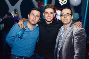 15122015 ENTRE AMIGOS.  Alejandro, Chile y Miguel.