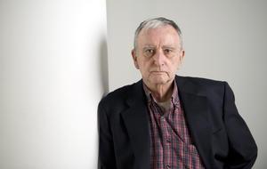 15 de agosto | Rafael Chirbes. El escritor y crítico literario español murió debido al cáncer de pulmón.