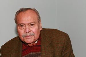 17 de septiembre | Eraclio Zepeda. El escritor y político mexicano murió a causa de un infarto agudo al miocardio.