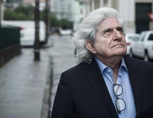 11 de diciembre | Gaston Salvatore. El muy peculiar escritor chileno murió a los 74 años de edad.